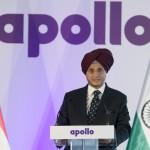 Onkar S. Kanwar, a társaság elnöke beszédet mond az indiai Apollo Tyres mintegy 146 milliárd forintos befektetéssel megépülő gumigyárának alapkőletételén a Heves megyei Gyöngyöshalászon 2015. április 10-én. Az Apollo első európai zöldmezős beruházásaként megépülő gyárban a tervek szerint naponta 16 ezer személyautóhoz, és 3000 haszongépjárműhöz gyártanak majd abroncsokat 2017 elejétől az - Oroszországot és Törökországot is magában foglaló - európai piac számára. MTI Fotó: Koszticsák Szilárd