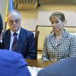 Szalipszki Endre, Magyarország beregszászi főkonzulja és az Ukrajnában jószolgálati látogatáson tartózkodó Herczegh Anita, a köztársasági elnök felesége Beregszászon 2015. április 22-én. MTI Fotó: Máthé Zoltán