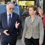 Szalipszki Endre, Magyarország beregszászi főkonzulja fogadja az Ukrajnában jószolgálati látogatáson tartózkodó Herczegh Anitát, a köztársasági elnök feleségét Beregszászon 2015. április 22-én. MTI Fotó: Máthé Zoltán