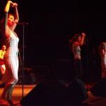A Petőfi Csarnok szabadtéri színpadán szerepelt a The Ketchup Song (Asereje) című dalukkal az előző év egyik legnagyobb sikerét arató spanyol Las Ketchup női énekegyüttes  2003. június 13-án. A Las Ketchupot alkotó Munoz nővérek, Pilar, Lola és Lucia az Asereje című számuk mellett újabb slágereiket, például a Kusha las Playas-t is elénekelték. A képen balról: Lola, Lucía és Pilar. MTI Fotó: Nándorfi Máté