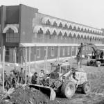 A földmunkálatokat végzik az új, Fővárosi Ifjúsági Szabadidő Központ épülete, a  Petőfi Csarnok környezetében a Városligetben 1985. március 14-én. MTI Fotó: Apostol Péter