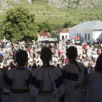 Leánykórus énekel a második Duna-nap megnyitóján, az erdélyi Torockón 2015. június 6-án. MTI Fotó: Koszticsák Szilárd