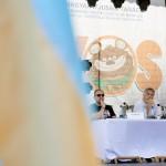 Orbán Viktor miniszterelnök (k), Németh Zsolt, az Országgyűlés külügyi bizottságának fideszes elnöke (b) és Tőkés László református lelkész, európai parlamenti képviselő, az Erdélyi Magyar Nemzeti Tanács (EMNT) elnöke a 26. Bálványosi Nyári Szabadegyetem és Diáktáborban (Tusványos) 2015. július 25-én. MTI Fotó: Koszticsák Szilárd