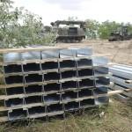 Kerítésoszlopok az ideiglenes biztonsági határzár 150 méteres mintaszakaszának építési területén a magyar-szerb határon, Mórahalom térségében 2015. július 14-én. MTI Fotó: Kelemen Zoltán Gergely