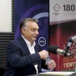 Orbán Viktor miniszterelnök a Magyar Rádió stúdiójában, ahol interjút adott a Kossuth Rádió 180 perc című műsorában 2015. október 2-án. MTI Fotó: Koszticsák Szilárd