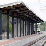 Zamárdi, 2015. június 17. Zamárdi vasúti megállóhely 2015. június 16-án. A napokban adták át a Lepsény és Szántód-Kőröshegy közötti korszerűsített vasúti vonalszakaszt. MTI Fotó: Máthé Zoltán