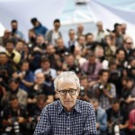 Woody Allen amerikai rendező az Irrational Man című filmjének bemutatója alkalmából tartott fotózáson, a 68. Cannes-i Nemzetközi Filmfesztiválon 2015. május 15-én. (MTI/EPA/Ian Langsdon)