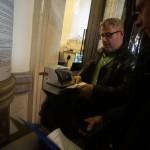 Nyakó István MSZP-s politikus, volt országgyűlési képviselő Budapesten, a Nemzeti Választási Iroda épületében 2016. február 23-án, miután megszűnt az üzletek vasárnapi zárva tartására vonatkozó népszavazási kérdés védettsége. A Kúria délelőtt megváltoztatta a Nemzeti Választási Bizottság (NVB) erre vonatkozó határozatát, így új kérdést lehetett nyújtani a témában, és az NVB az elsőként beadottat fogja elbírálni. MTI Fotó: Balogh Zoltán