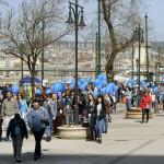 A Séta az autizmussal élőkért elnevezésű rendezvény Budapesten, a Belgrád rakparton 2016. április 2-án, az autizmus világnapján. Az idei a hatodik, a Nemzetközi Cseperedő Alapítvány szervezésében megtartott séta.<br /> MTI Fotó: Bruzák Noémi