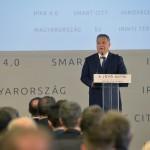 Orbán Viktor miniszterelnök beszédet mond A jövő autói című konferencián a Budapesti Műszaki és Gazdaságtudományi Egyetemen 2016. május 19-én.<br /> MTI Fotó: Koszticsák Szilárd