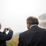 Fazekas Sándor földművelésügyi miniszter (b) és Zambó Péter, a Pilisi Parkerdő Zrt. vezérigazgatója a kilátó előtt a Guckler Károly-kilátóközpont és a Hármashatár-hegyi turistaház ünnepélyes átadásán 2016. július 14-én.<br /> MTI Fotó: Mohai Balázs
