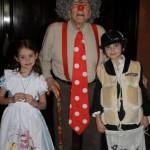 Kirk Douglas és unokái: Carys és Dylan. Fotó: Instagram