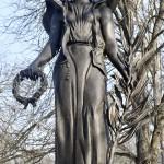 Az esztergomi Szent Anna temetőben felállított Béke angyala szobor, az I. világháborúban a városnál elhunyt külföldi katonák emlékműve 2017. január 20-án, az avatás napján. A szobor Vlagyimir Szurovcev érdemes művész alkotása.<br /> MTI Fotó: Illyés Tibor