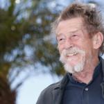 Cannes, 2013. május 25.<br /> John Hurt brit színész az Only Lovers Left Alive című filmjének bemutatója alkalmából tartott fotózáson a 66. Cannes-i Nemzetközi Filmfesztiválon 2013. május 25-én. (MTI/EPA/Ian Langsdon)