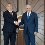 Binali Yildirim török miniszterelnök (j) fogadja Orbán Viktor magyar kormányfőt a magyar-török kormányzati konzultáció előtt Ankarában 2017. június 30-án.<br /> MTI Fotó: Koszticsák Szilárd
