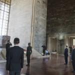 Orbán Viktor miniszterelnök Mustafa Kemal Atatürk sírjánál az Anitkabirban, a modern Törökország alapító atyjaként tisztelt államférfi mauzóleumában 2017. június 30-án.<br /> MTI Fotó: Koszticsák Szilárd