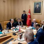 Orbán Viktor miniszterelnök (b2), mellette Semjén Zsolt nemzetpolitikáért felelős miniszterelnök-helyettes (b) megbeszélést folytat Ismail Kahraman török házelnökkel (k) Ankarában 2017. június 30-án.<br /> MTI Fotó: Koszticsák Szilárd