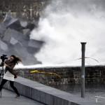 Erős szél az észak-spanyolországi San Sebastián tengerpartján 2013. decemberében (MTI/EPA/Javier Etxezarreta)