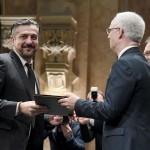 Csányi Sándor színművész átveszi a Magyarország Érdemes Művésze díjat (MTI-fotó: Koszticsák Szilárd)