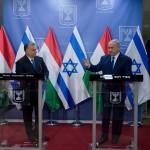 Orbán Viktor miniszterelnök (b) és Benjámin Netanjahu izraeli miniszterelnök sajtónyilatkozatot tesz megbeszélésüket követően Jeruzsálemben 2018. július 19-én (Fotó: MTI/ Koszticsák Szilárd)
