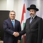 A Miniszterelnöki Sajtóiroda által közreadott képen David Lau, Izrael askenázi főrabbija (j) és Orbán Viktor miniszterelnök találkozója Jeruzsálemben 2018. július 19-én (Fotó: MTI/Miniszterelnöki Sajtóiroda/ Szecsődi Balázs)