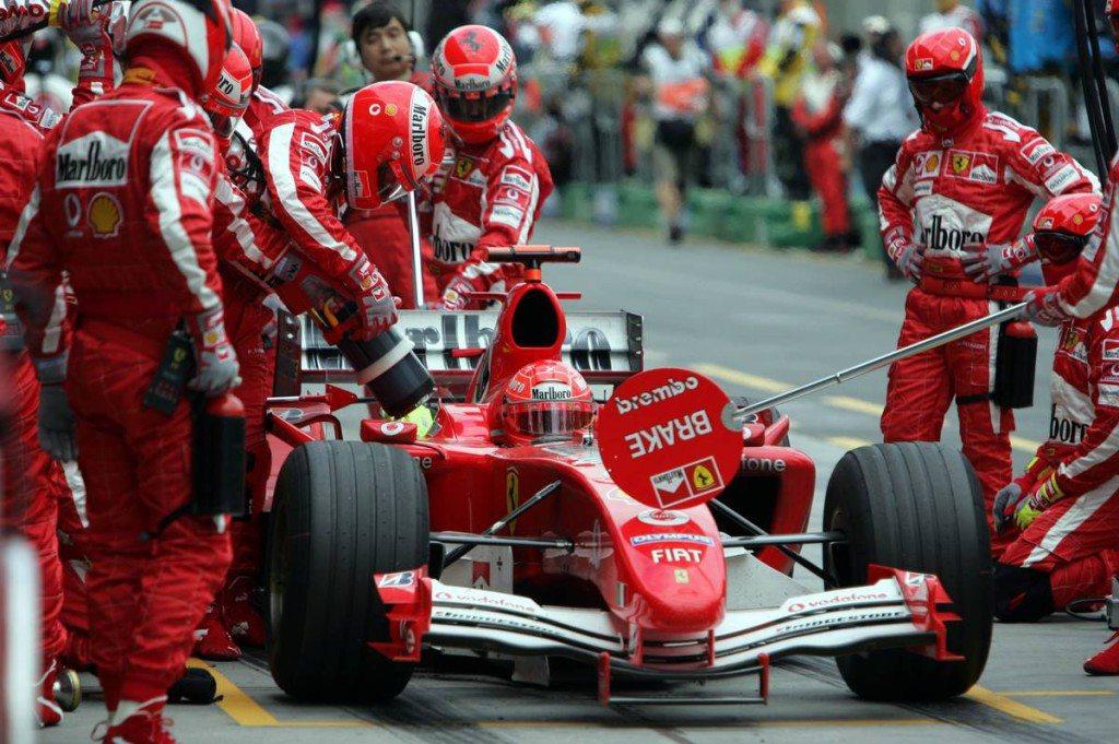 Ejtette a tankolást az F1