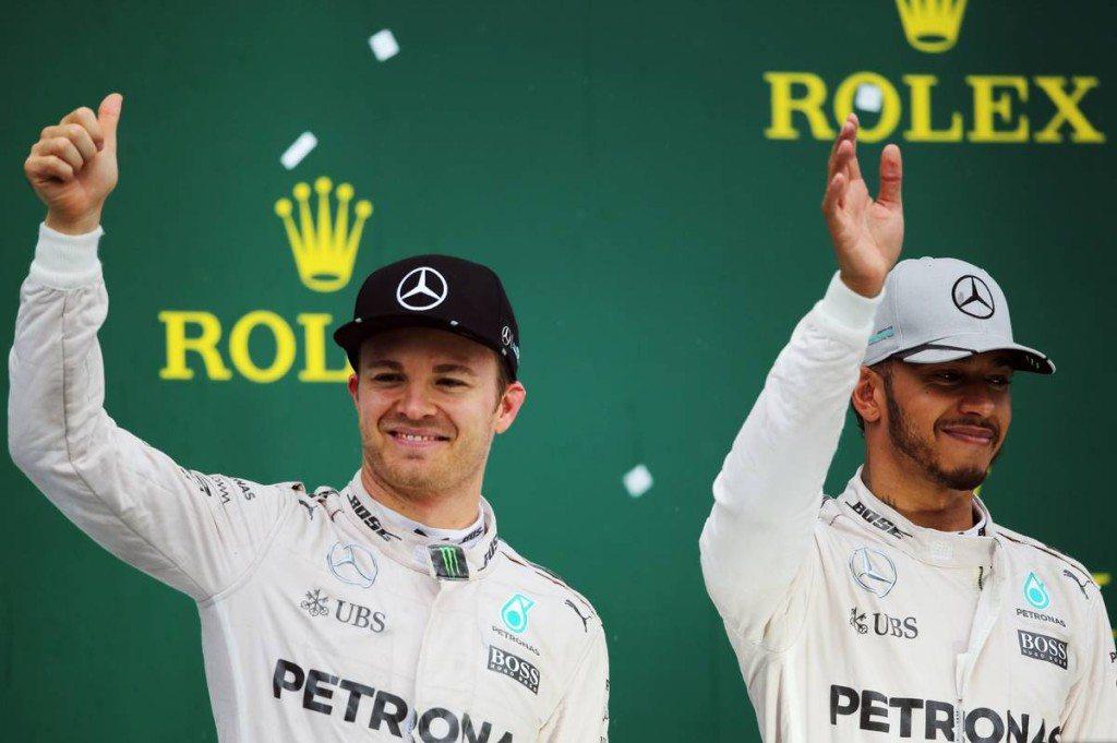 Hill: Ha le akarják győzni Hamiltont, tegyék azt, mint Rosberg
