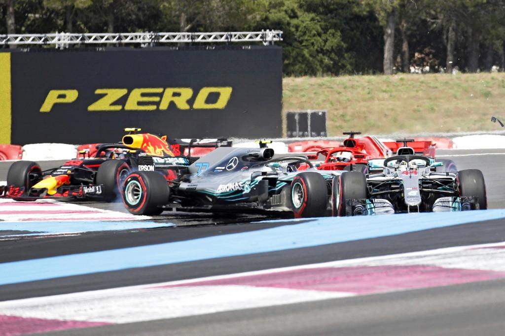 Vettel bocsánatot kért Bottastól