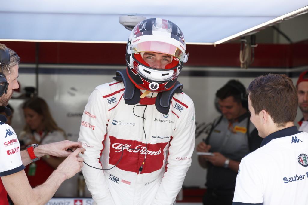 Tündökölt Leclerc – aggódhat Räikkönen?