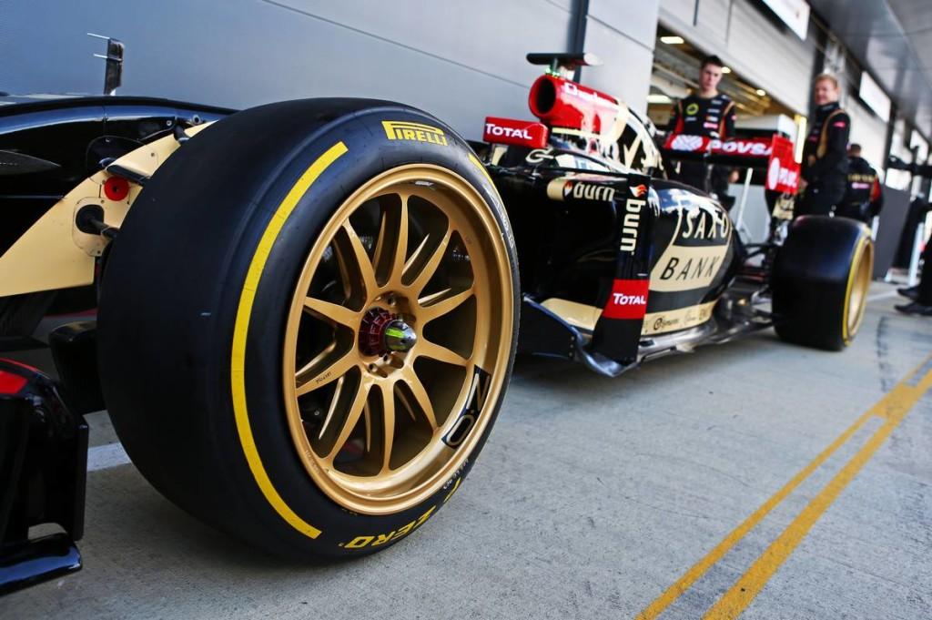 F1-es tesztautók kerestetnek: minden csapatnak adott a lehetőség