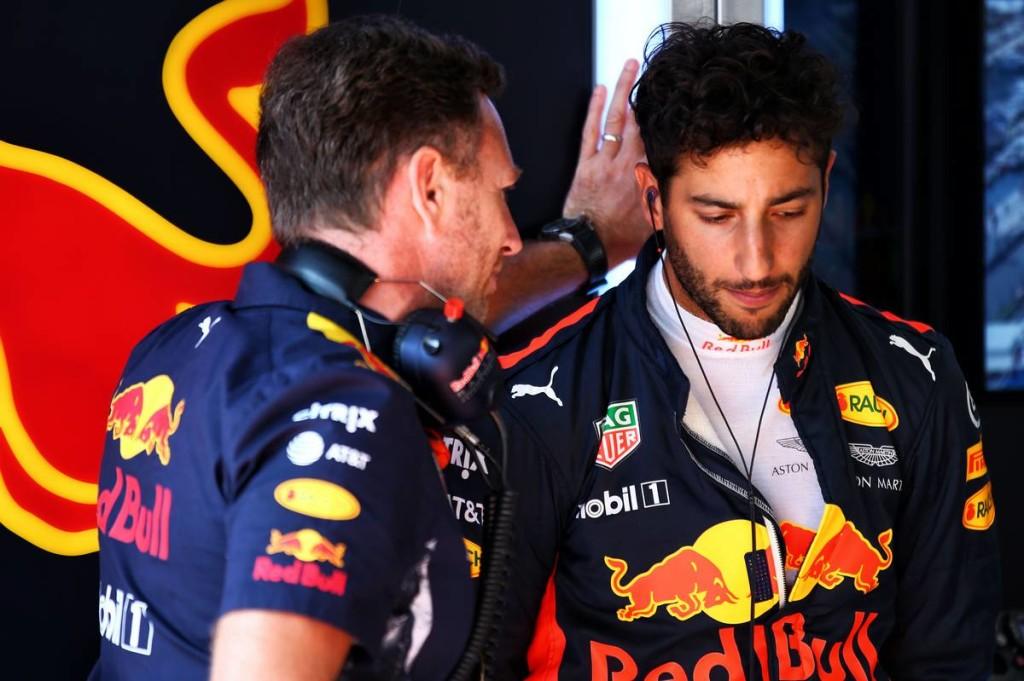 Horner: Vakmerő lenne Ricciardótól, ha Hamilton útját választaná