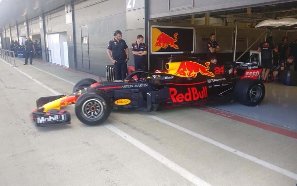Három csapat is gumikat tesztelt Silverstone-ban