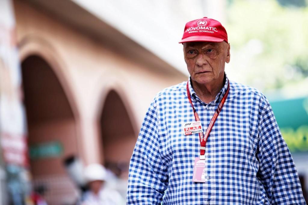 Öt hónap után hazatért a tüdőátültetésen áteső Lauda