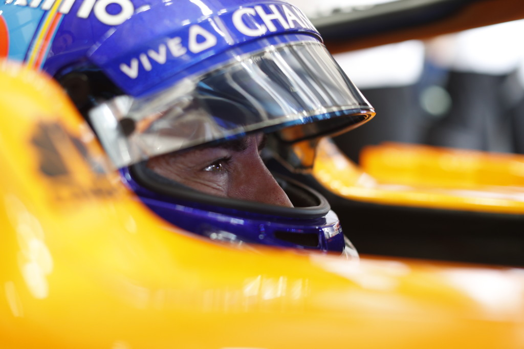 Alonso választás elé állította szurkolóit