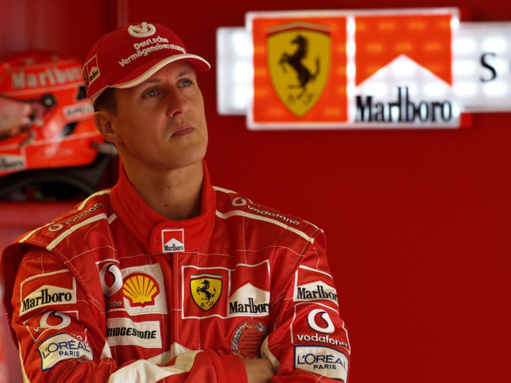 Sajtó: titkos kezelésre Párizsba szállították Schumachert