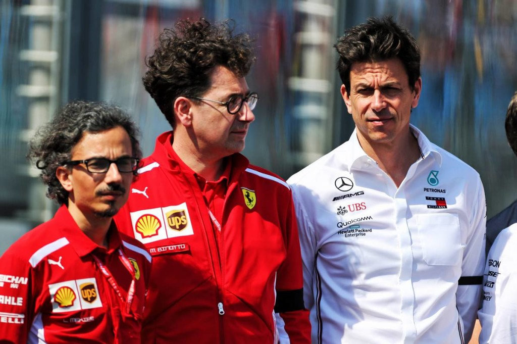 Túlvállalta magát a Ferrari főnöke mercedeses kollégája szerint