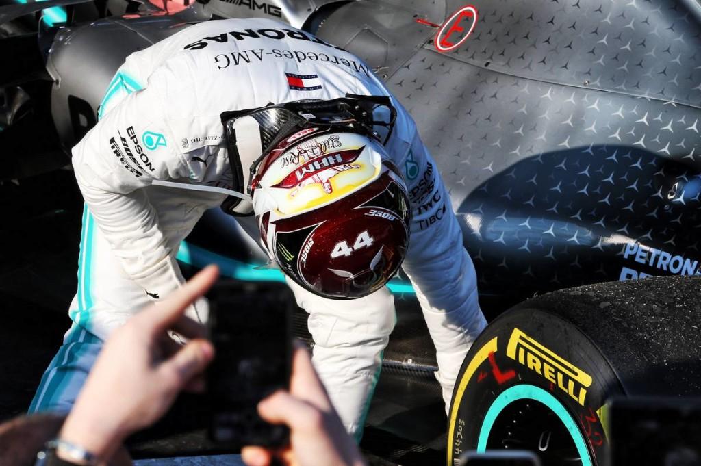 Nem törmelék okozhatta Hamilton autójának sérülését