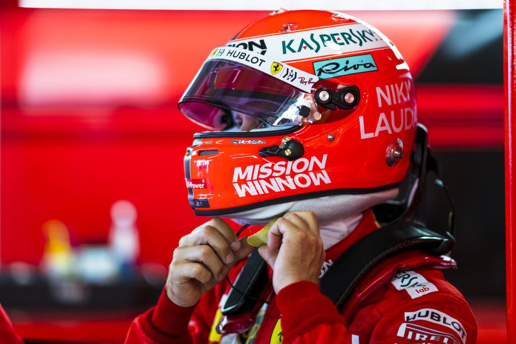 Vettel és Lauda sisakja: Elviszem pár utolsó körre Monacóban