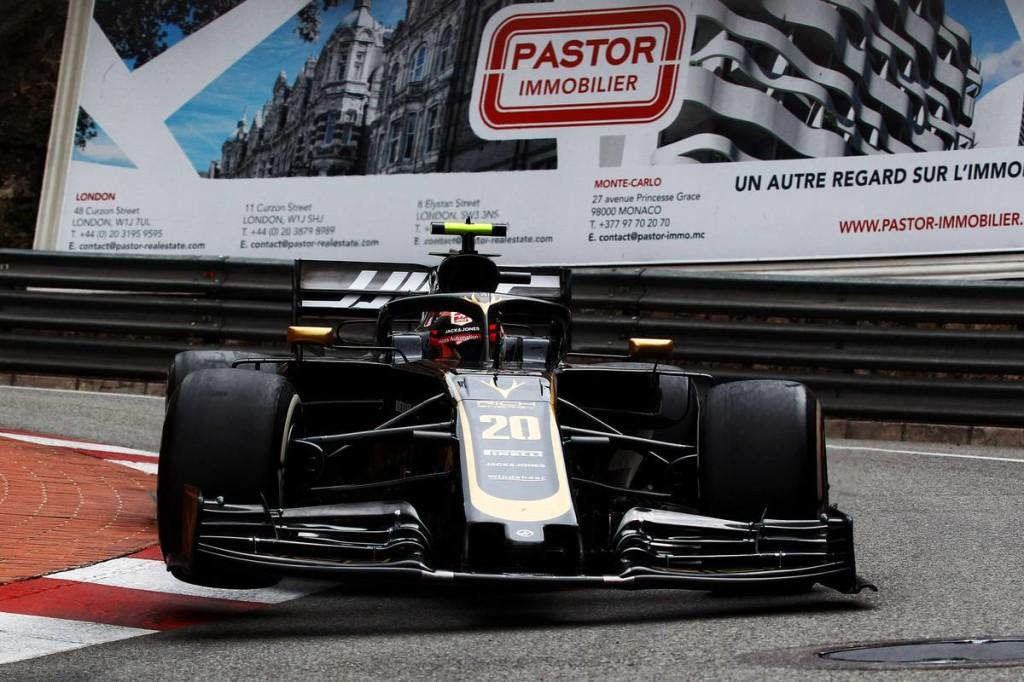 Bizarr eset: a Haas maga kért fekete zászlót a versenyzőinek!