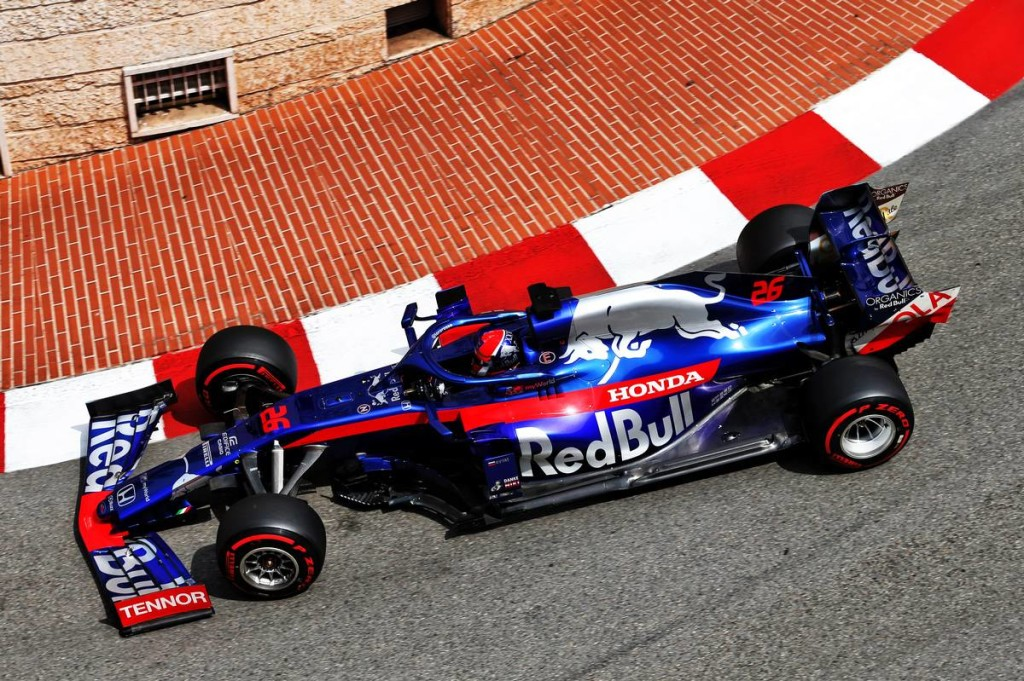 Red Bull-segítséggel a top 10-be: remekelt a Toro Rosso