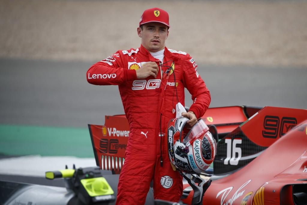 Nem bosszankodik, inkább örül Leclerc 8 századának a Ferrari