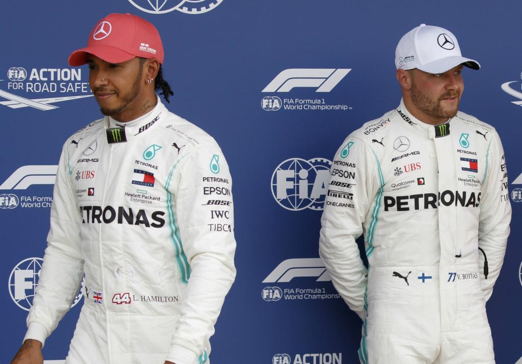 Nem Bottast, egy elképzelt versenyzőt tart fő ellenfelének Hamilton