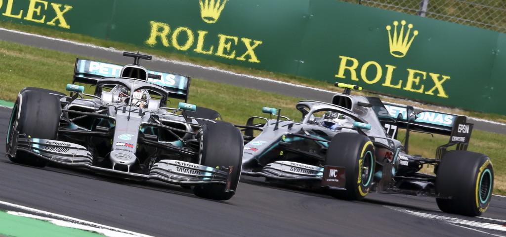 """""""Tudat alatt"""" Hamiltont részesítette előnyben a Mercedes?"""