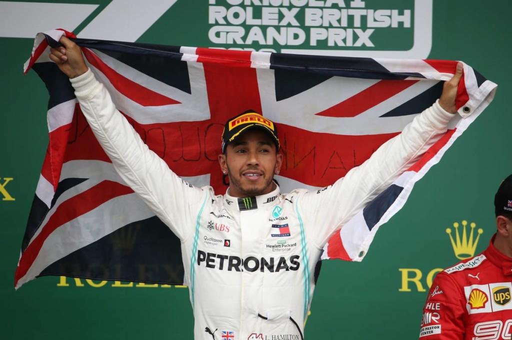 Hamilton rekordot döntött, Verstappen és Leclerc varázsolt!