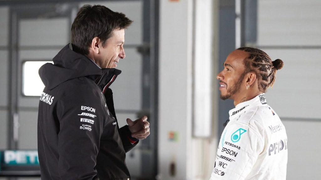 Sajtó: Wolff írásos ajánlatot kapott az Aston Martintól