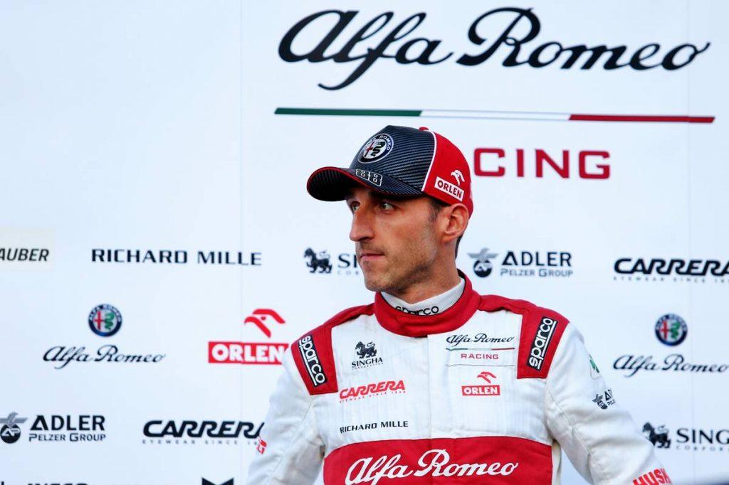 Kubica autóba ülhet pénteken