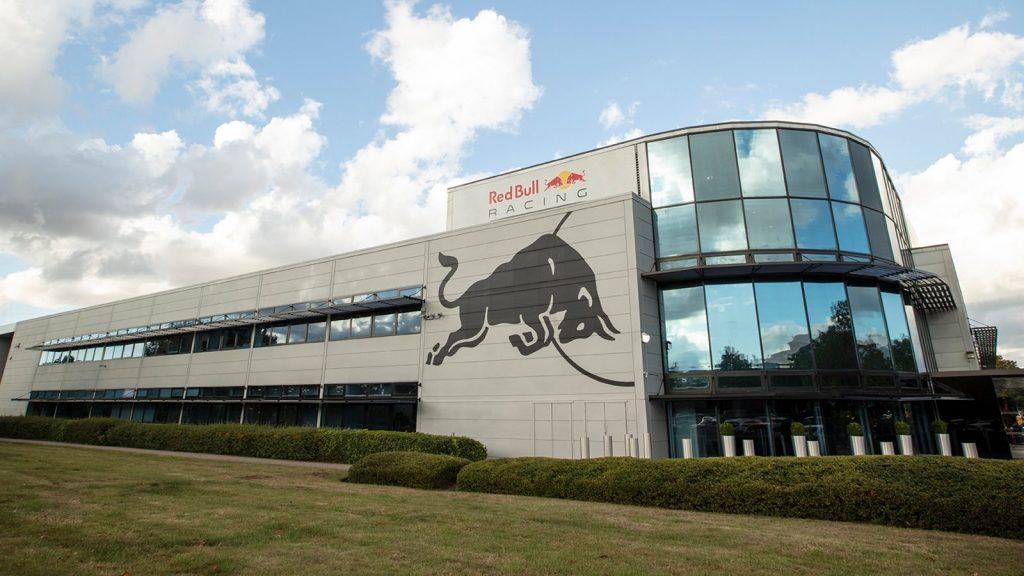 Jól megnyomta a Red Bull az utolsó napokat a gyárleállás előtt