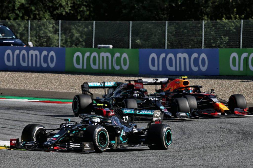 Red Bull: Hamilton mindent tönkretett – bocsánatot kérhetne