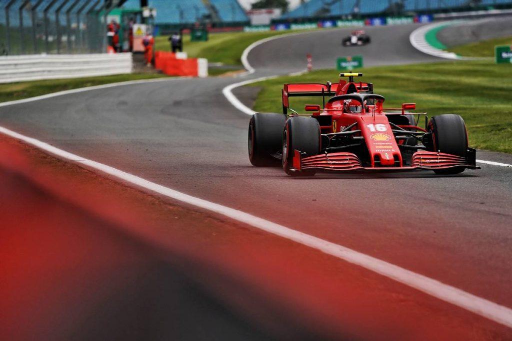 Megúszta a büntetést a Ferrari és Leclerc