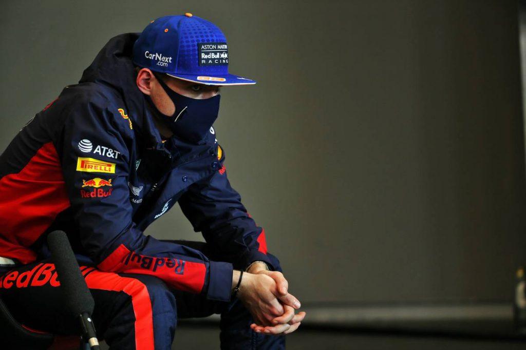 Csodát tettek a Red Bull-szerelők, de Verstappen elvesztette a fonalat